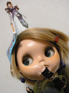 頭上にミニ姫