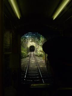 トンネル、おんも、トンネル